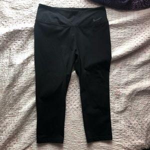 nike 3/4 dri-fit leggings